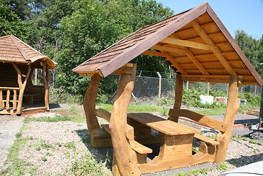 Outdoor picnic area from £4,000