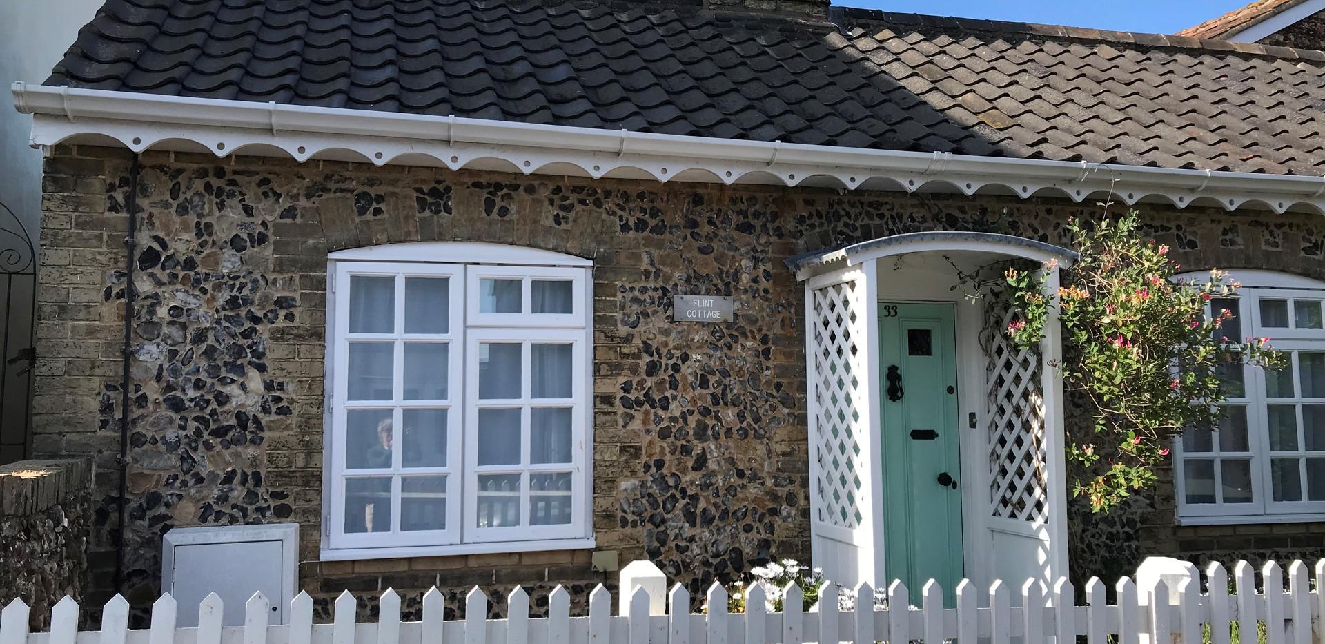Flint Cottage: Front elevation