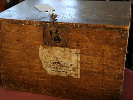 Pine Box & Decorators Brush Set - £195