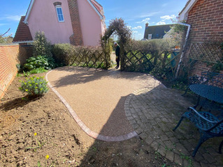 A resin patio using the matting system