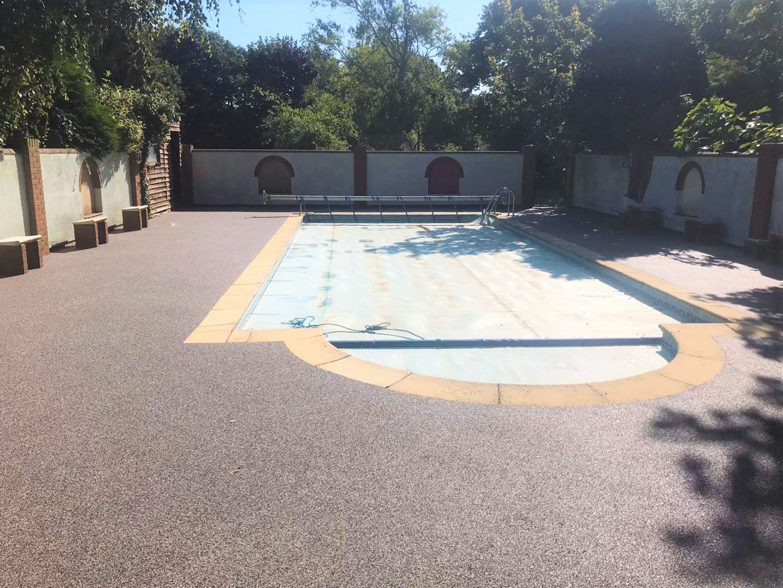Resin pool area