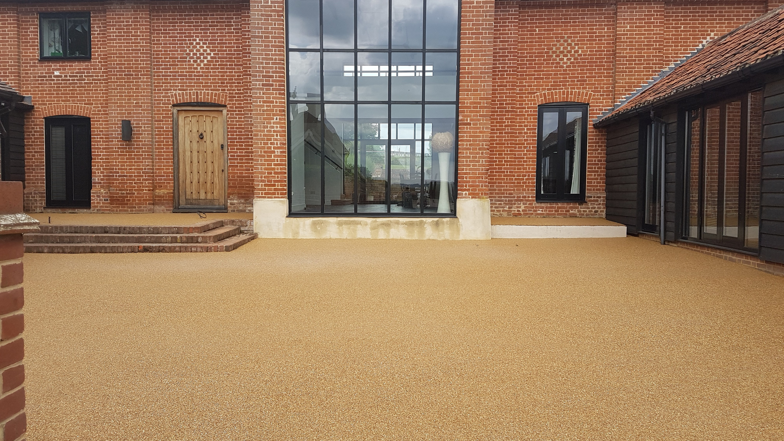 A quality resin drive to compliment a fantastic house