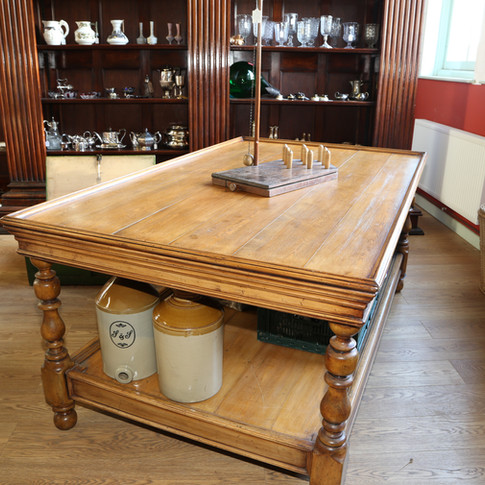 Solid country Kitchen Table