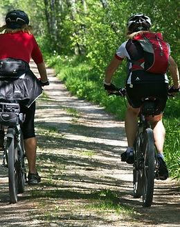 cycling-2520007_1920.jpg