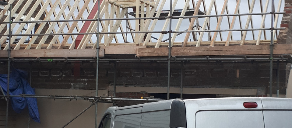 Roof and gable renovation