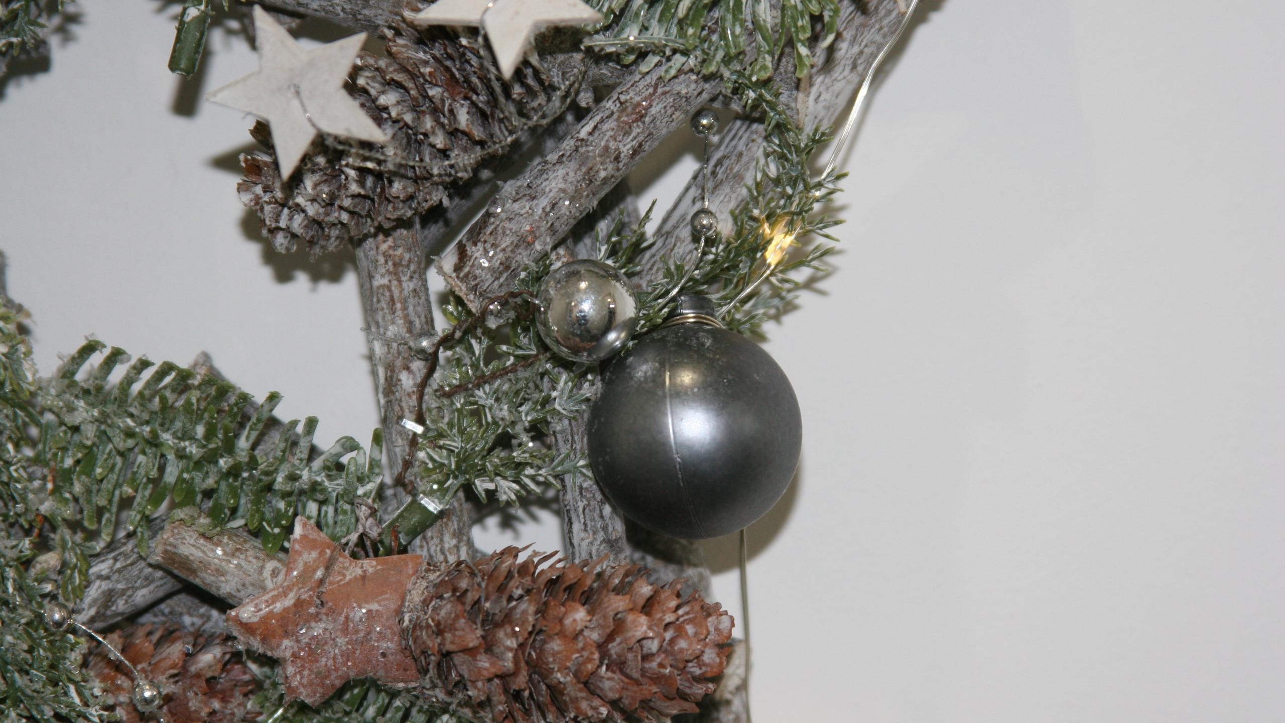 Star Christmas Wreath Close Up