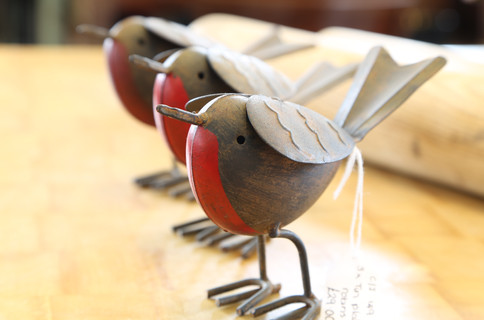 3 Robins Tin Plate - £29 for all 3