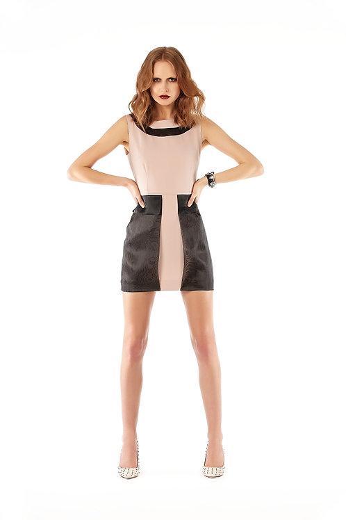 Yakası organze detaylı, organze cep detaylı elbise