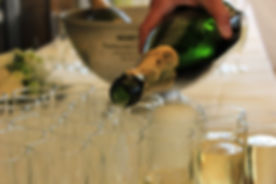 champagne-762697.jpg