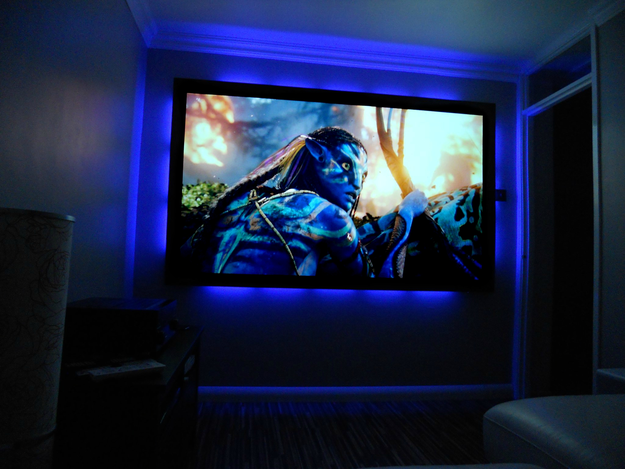 "90"" Fixed Frame Screen"