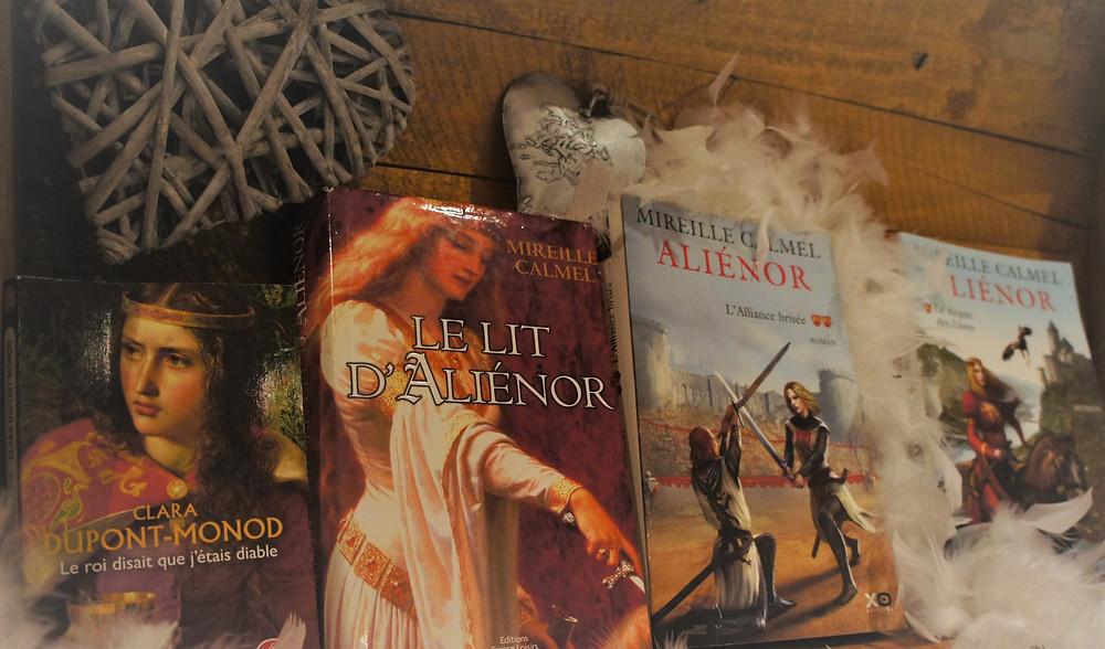 Les livres de Mireille Calmel : Le Lit d'Aliénor, Aliénor, L'alliance Brisée et Aliénor Le règne des lions, ainsi que le livre de Clara Dupont-Monod : Le roi disait que j'étais diable.