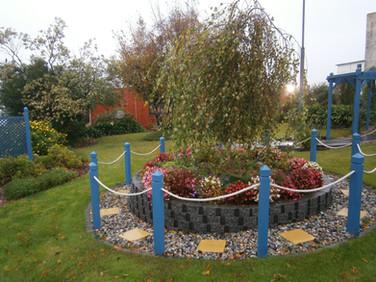Tracy's garden 3.JPG