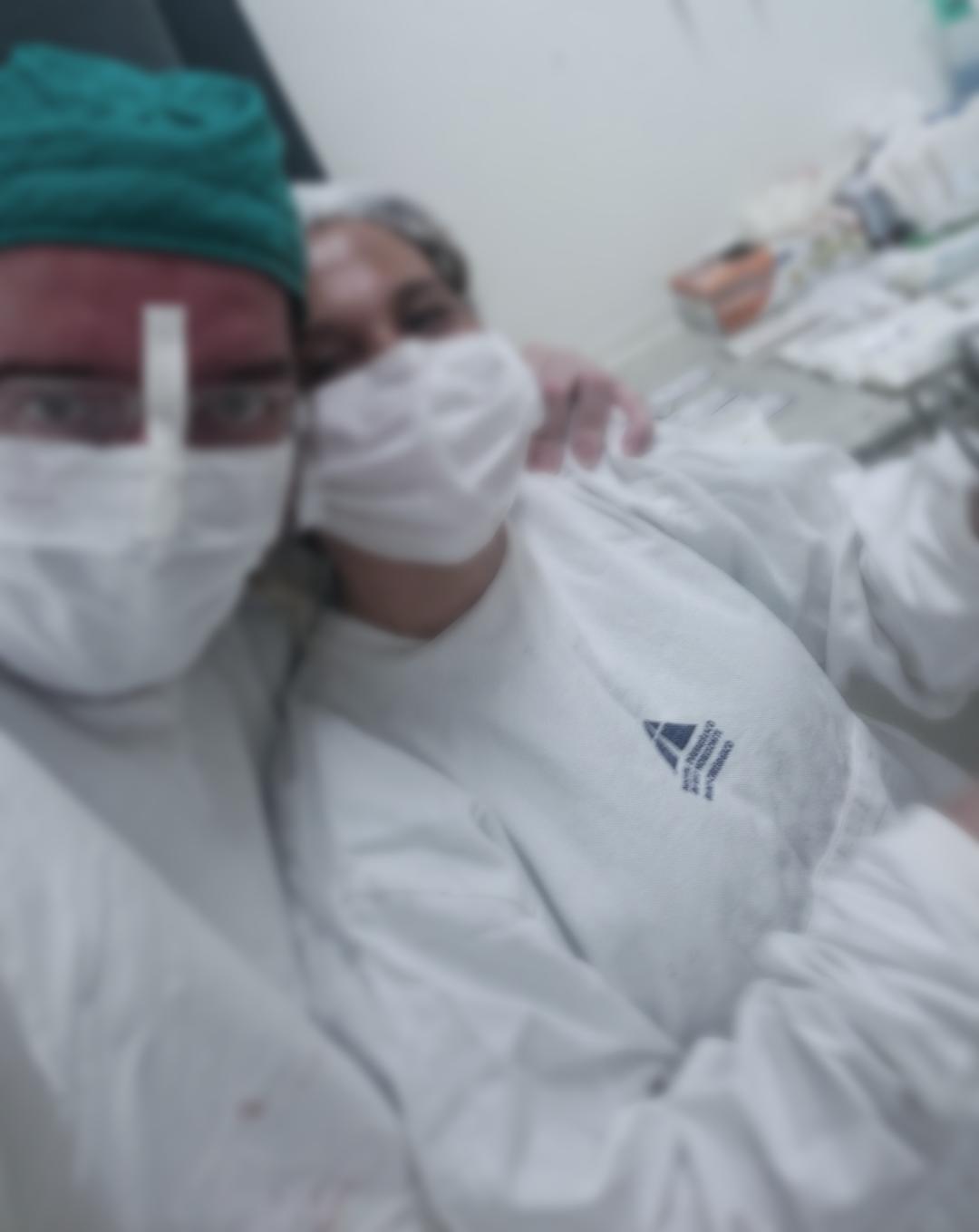 Dr. Eric e Adriana instrumentadora