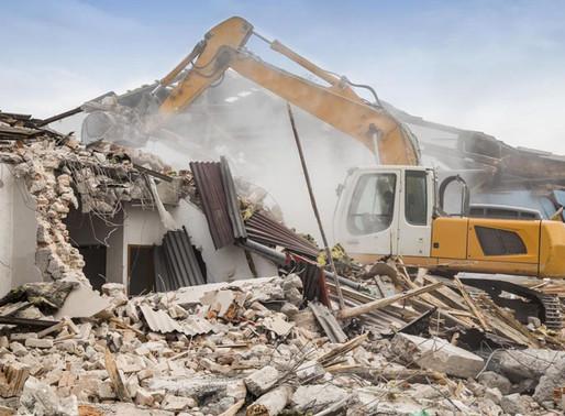 Demolição de imóveis em Ilha Comprida (SP)