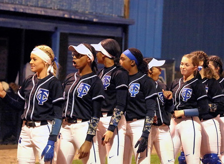 Varsity Softball: Conquerors Split Two to Open Season