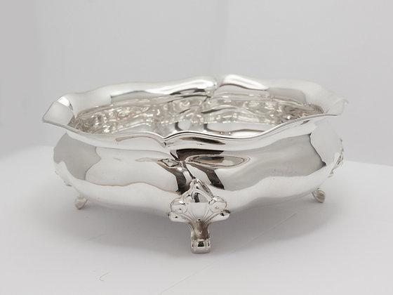 Nydelig sølvskål med knekk