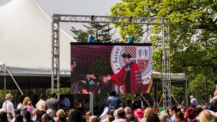 SJU Grad 2015-11.jpg