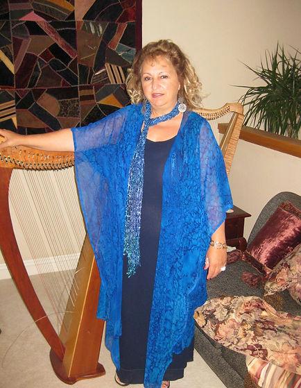 Rhonda copy 2 harp.jpg