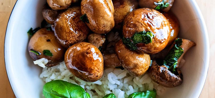 Super Easy and Tasty Stir Fried Mushrooms