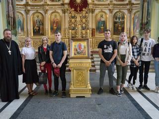 Настоятель храма провел экскурсию для студентов СГТУ