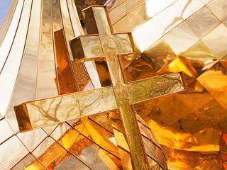 Освящены купола и кресты строящегося храма во имя Александра Невского