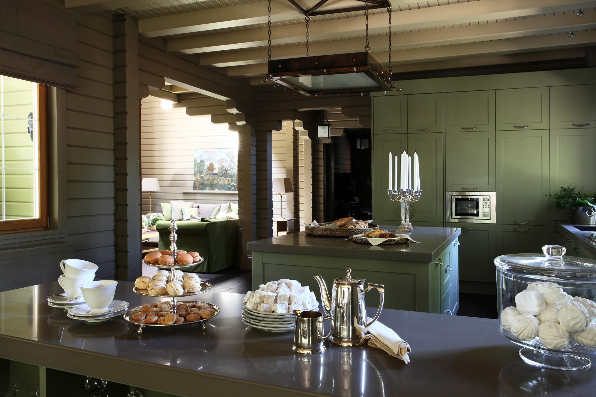 3. Кухня столовая. Дом в английском стиле
