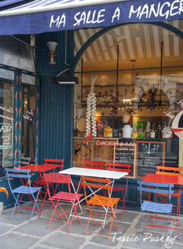 Paris cafe photo by Terrie Purkey