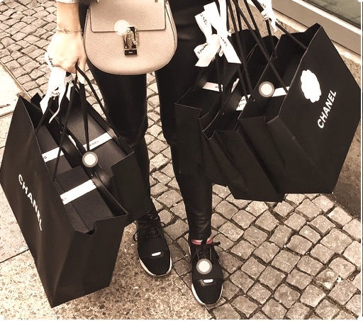 Shopping Tour_edited.jpg