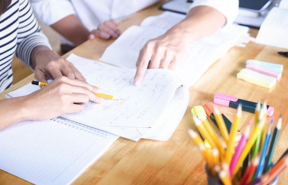 tutoring-papers-1068x713_edited.jpg