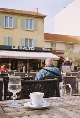 La_café-__March_2020-1.jpg