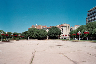 Place d'Armes, Toulon -  May 2020-1.jpg