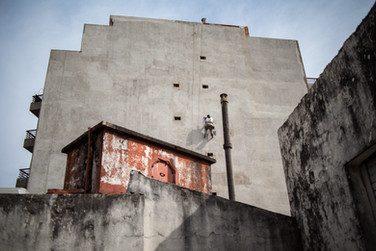 Wall worker - Buenos Aires, Argentina