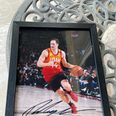 Signed Basketball Card of Bojan Bogdanovic (Pic 1/2)