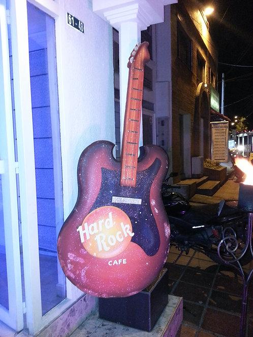 GUITARRA GRANDE HARD ROCK CAFE