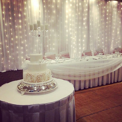 Cake all set up looking glamourous for a