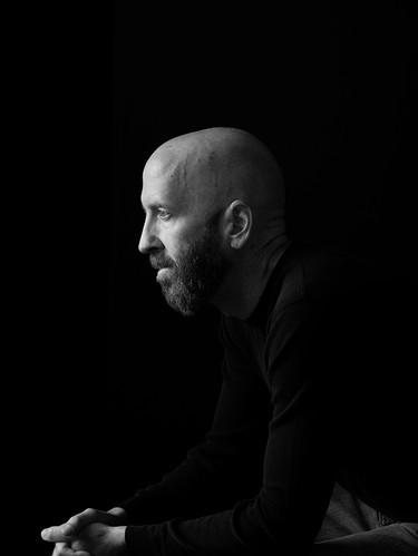 calderon-foto-mens-portrait-personal-branding-black-and-white