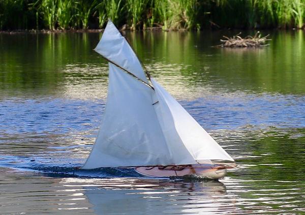voilier rc en kit ou prêt à naviguer