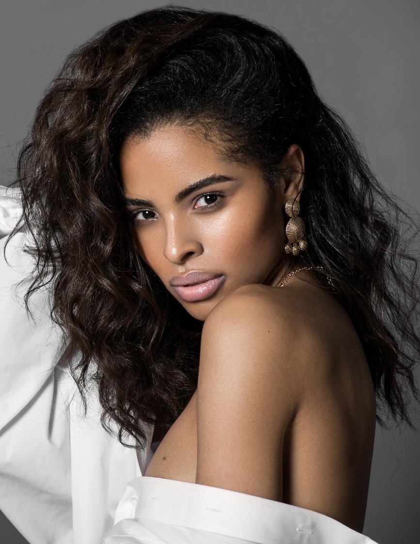 MODEL: GABRIELLA VALLEJO  (Miss Univers Haïti 2019) MUA: ABELLA.U PHOTOGRAPHER: PETER PARKER