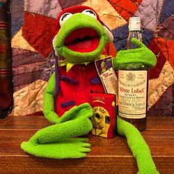 🥃🐸 #alcoholicsanonymous       _#