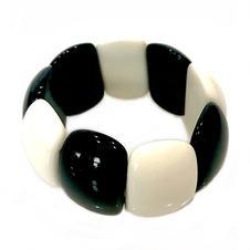 B7 BLACK AND WHITE