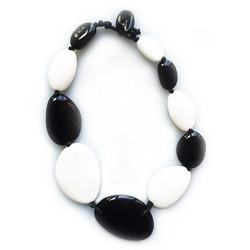 N15 BLACK AND WHITE