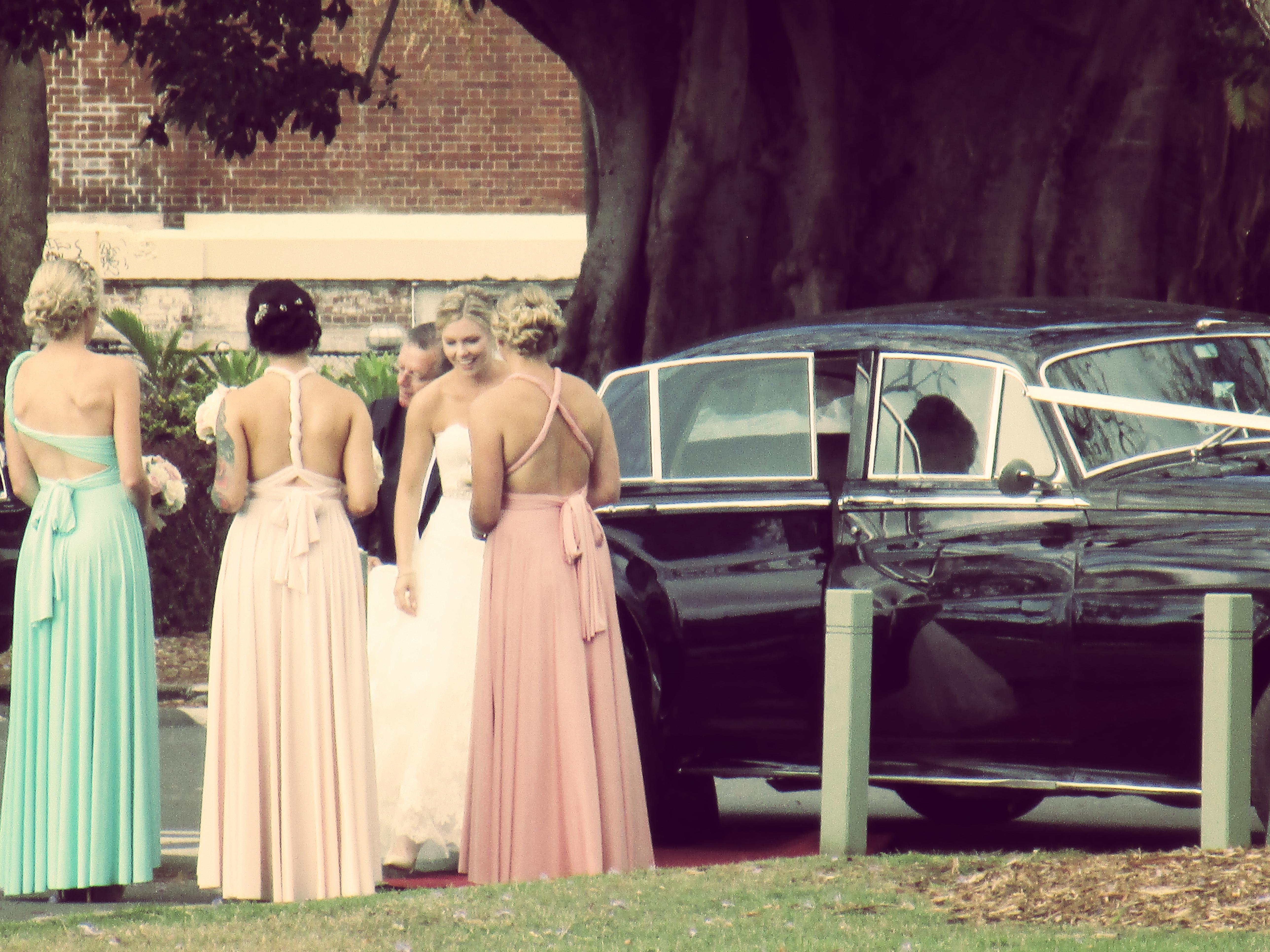 IMG_0620_NF bride and maids at car