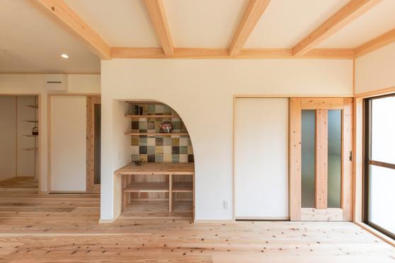 小さなスペースも有効活用して過ごしやすい生活空間をつくります。