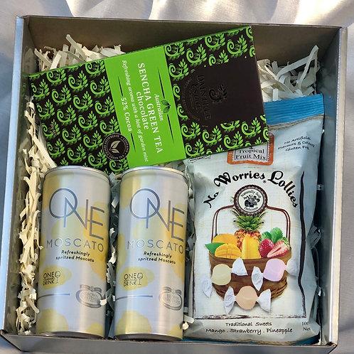 Summer vibes gift box
