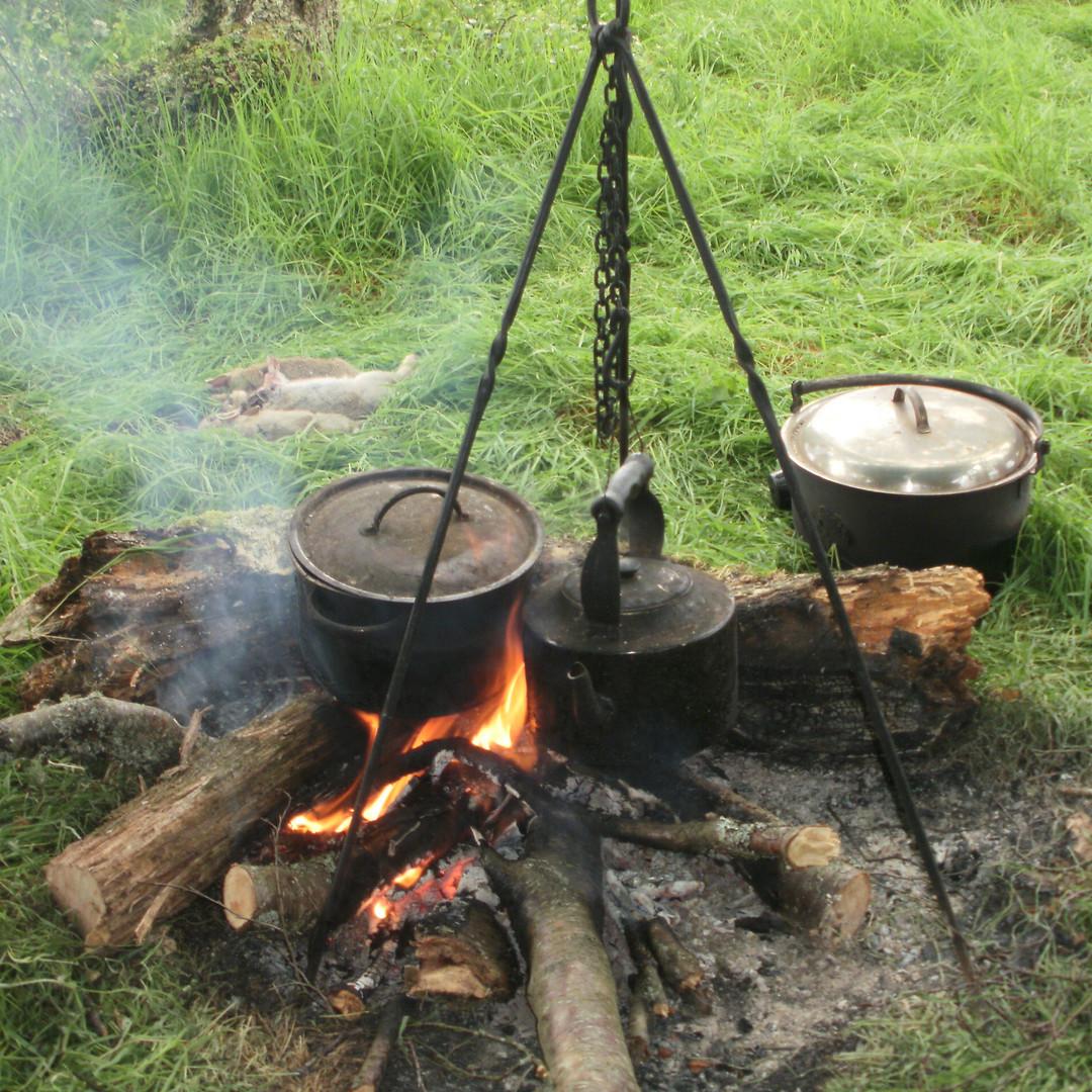 Cooking pots.jpg
