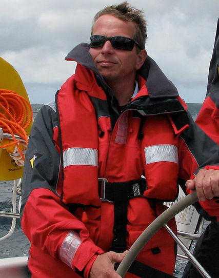 dickie sailing 2.JPG
