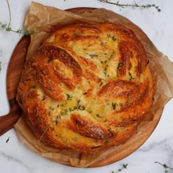 חלת גבינות ועשבים