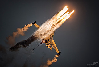 Belgian Airforce F-16 Solo demo.
