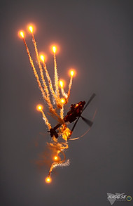 Ah-64 Apache with flares