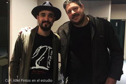 Con Abel Pintos en el estudio_edited_edi